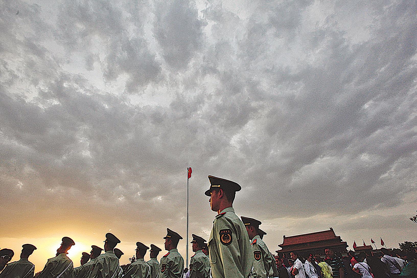 最近,北大著名教授鄭也夫,發出一聲驚天動地的巨吼——公開敦促執政黨——中共「淡出歷史舞台」。(Feng Li/Getty Images)