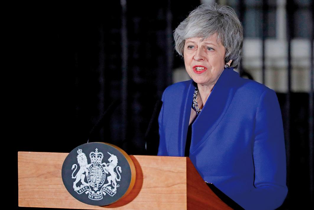 2019年1月16日英國首相文翠珊贏得議會不信任案投票後,在倫敦唐寧街10號首相府前講話。(AFP)