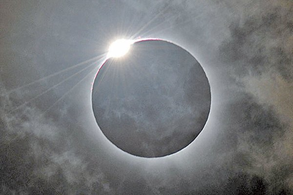 2012年11月14日日食景象,攝於澳大利亞昆士蘭省北部。(AFP)