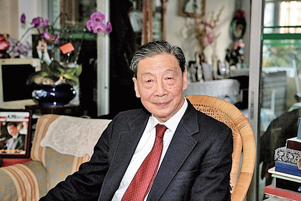 14日是中國經濟學家茅于軾90歲生日,他表示,如果有選擇,希望到美國去。(大紀元資料室)
