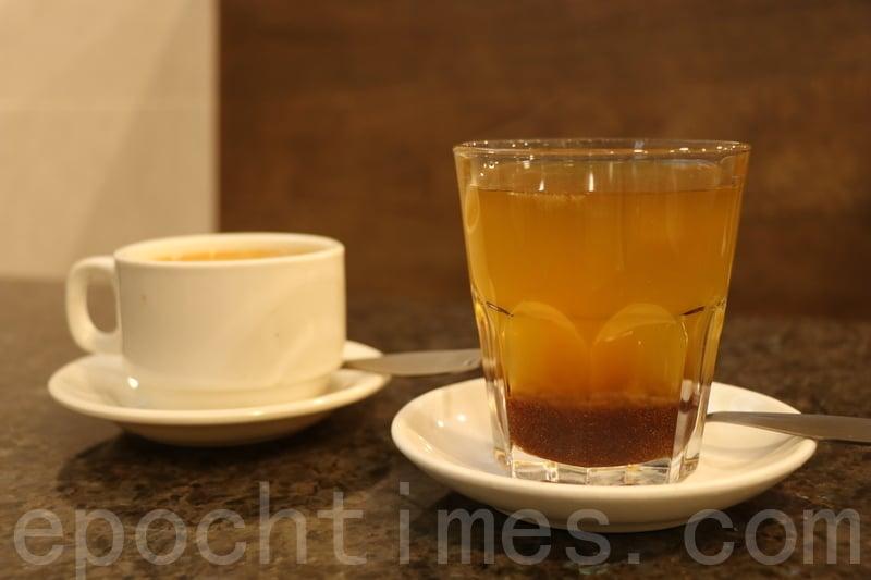 香滑奶茶(左)及蜂蜜柑橘。