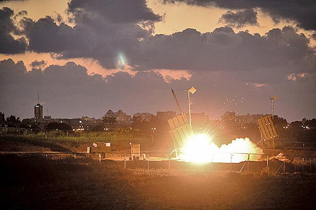以色列「鐵穹」攔截伊朗導彈