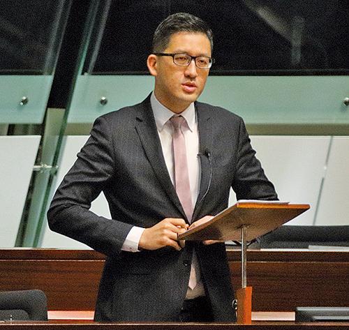 民主黨林卓廷批評鄭若驊的行為嚴重損害香港法治。