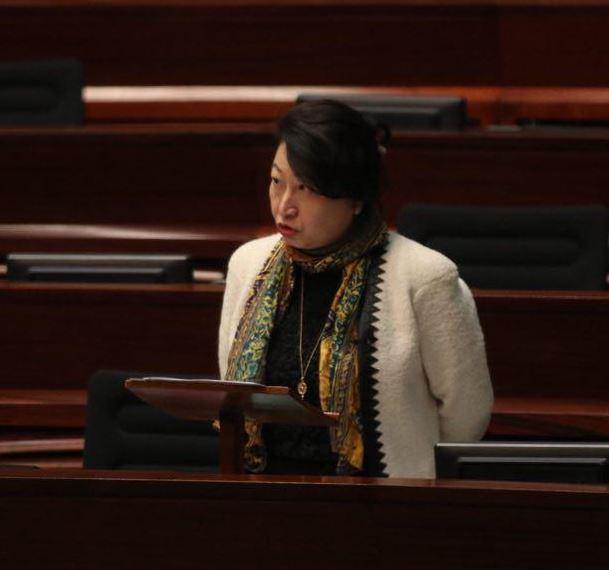 傳召律政司司長鄭若驊議案在建制派護航下被否決。(蔡雯文/大紀元)