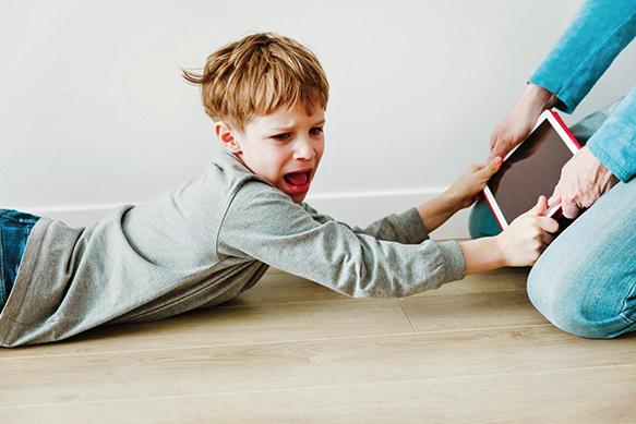 平板手機當「保母」 孩童易過動不專心
