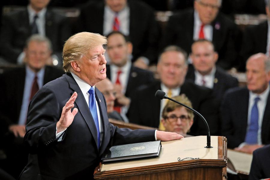 國情咨文發表遭佩洛西「取消」 特朗普同意延至政府重開