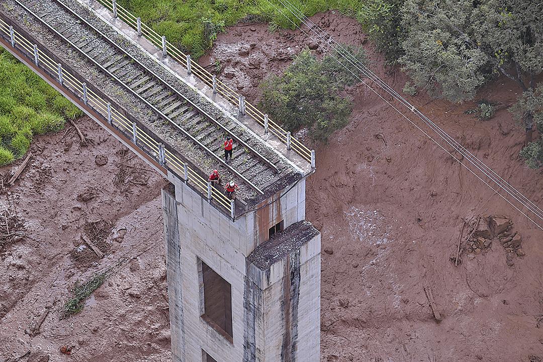 1月25日,巴西發生潰壩事故,造成至少9人死亡,300人失蹤,200人獲救。(AFP)