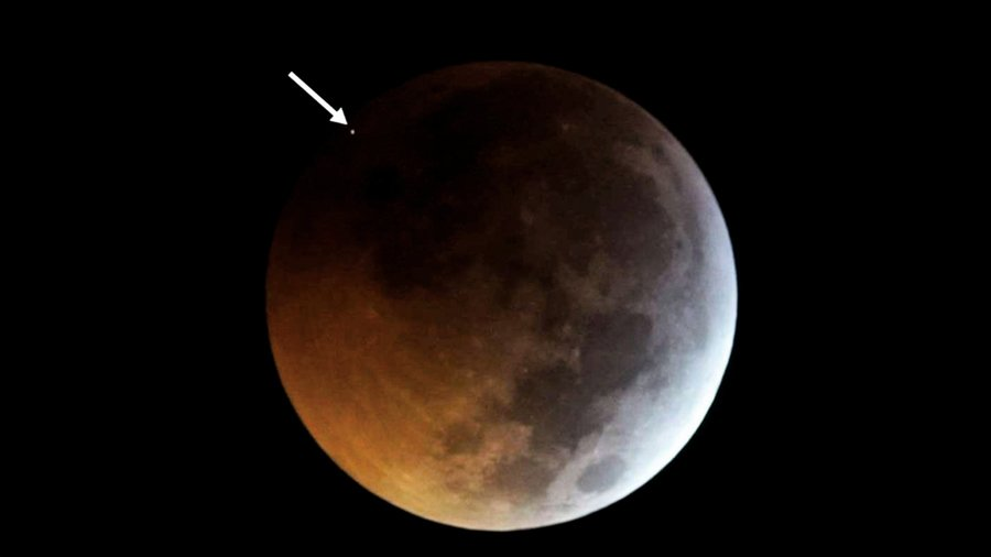 超級血狼月恰逢隕石襲擊