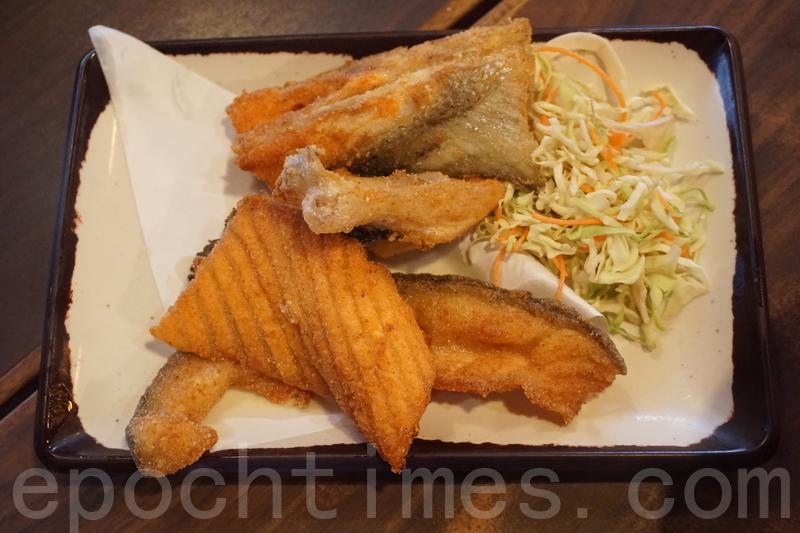 三文魚鰭都好多件,炸得香脆,入口好香三文魚鮮味又唔乾。