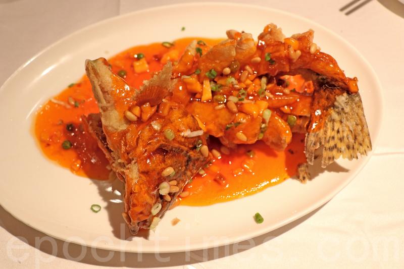 魚唔大條但係幾新鮮,炸得乾身脆卜卜唔油。