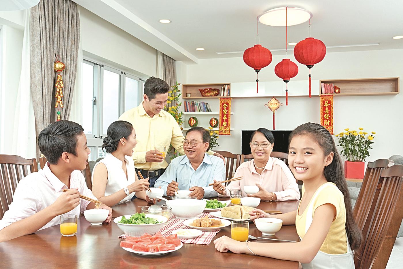 隨著社會與生活習慣的改變,越來越多家庭的年夜飯,選擇在大飯店和餐廳度過。