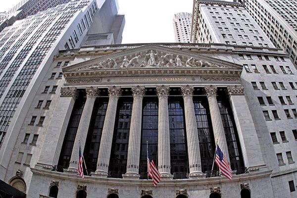 標普指數元月漲7.8%。圖為紐約交易所大樓。(大紀元圖片庫)