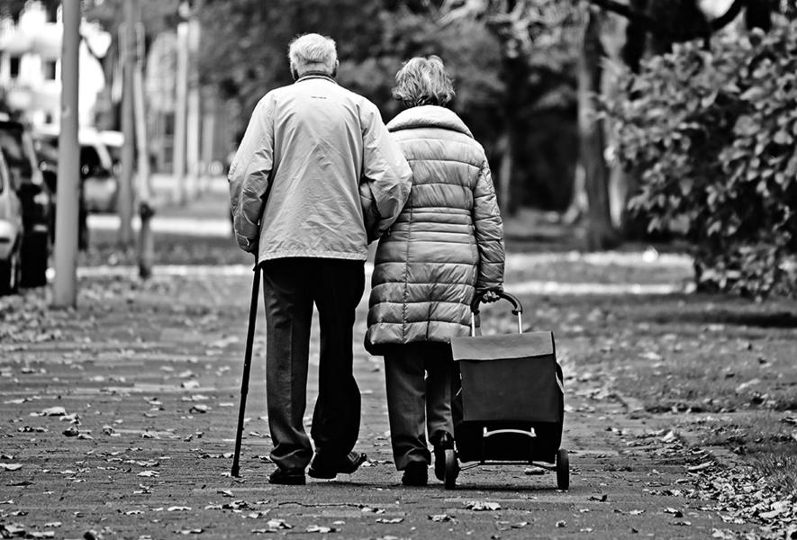 女性較長壽可能原因:大腦較年輕