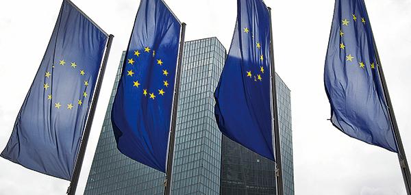 歐盟對外事務部(EEAS)的內部安全服務處警告,有數百名中、俄間諜活躍在歐盟總部所在地布魯塞爾。歐盟外交官及軍官已被警告避免進入歐盟總部大樓附近幾家餐館和咖啡廳。(AFP)