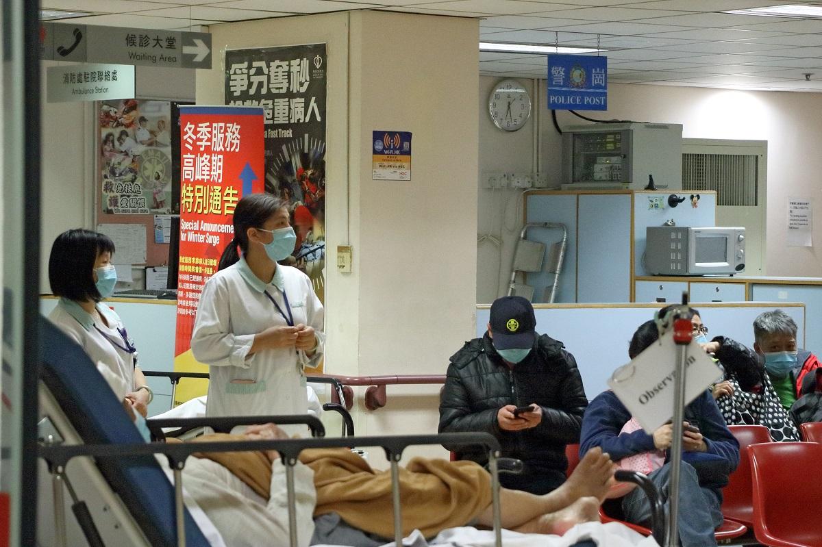 中國新年後,流感高峰持續,公立醫院內科病房持續爆滿。(大紀元資料圖片)