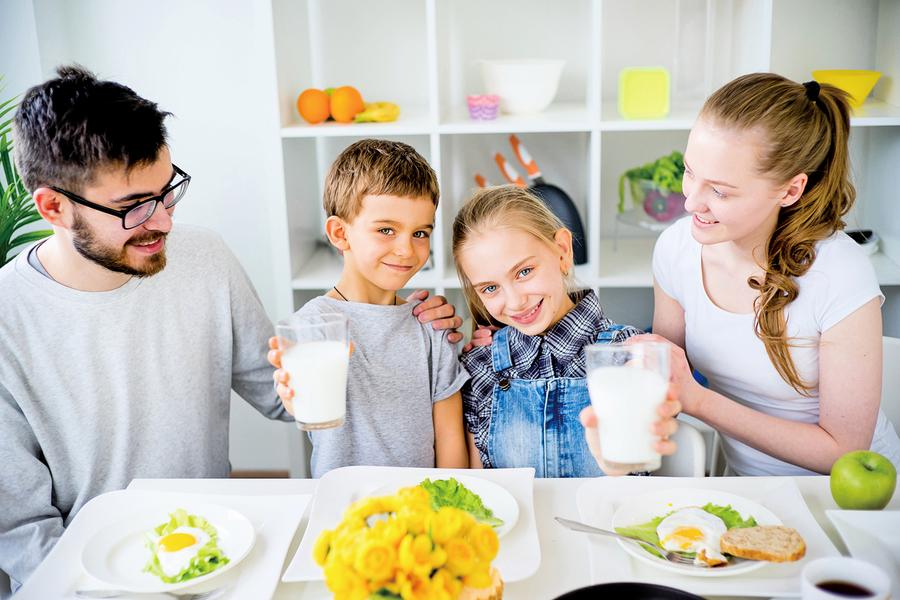 孩童鈣質攝取不足 家長留意三個生活行為 營養師:每天兩份鮮乳補充鈣