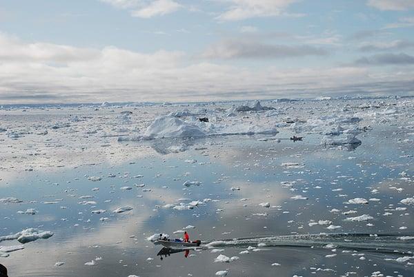 中共國有銀行試圖在丹麥所轄格陵蘭島興建機場,作為「冰上絲綢之路」關鍵一站。丹麥其後與美國聯手投資,將中共資金排除在外。(Getty Images)