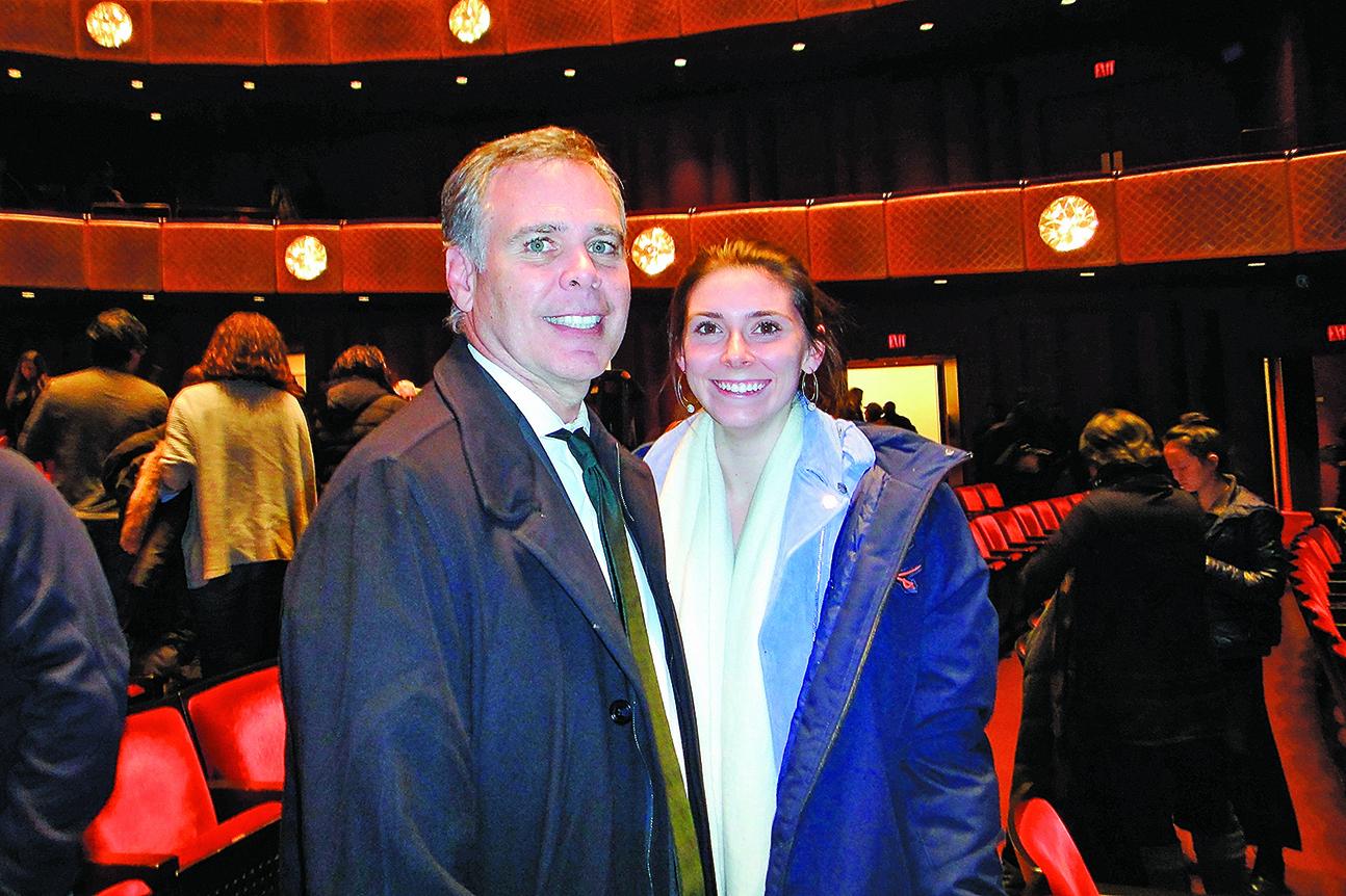 知名投資家斯卡圖拉先生和女兒。(滕冬育/大紀元)