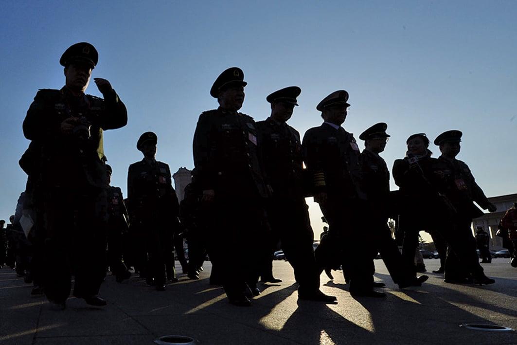 中共在2月11日發佈了「解放軍軍事訓練監察試行條例」,官媒稱對提高備戰打仗能力有重要意義。但美國前情報官員則指習近平意識到中共軍隊存在重大缺陷。(AFP)