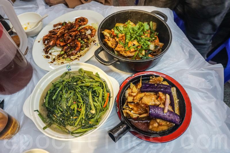 這次只點了麻辣海鮮雞煲、豉油皇中蝦、茄子魚雲煲和椒絲腐乳通菜。