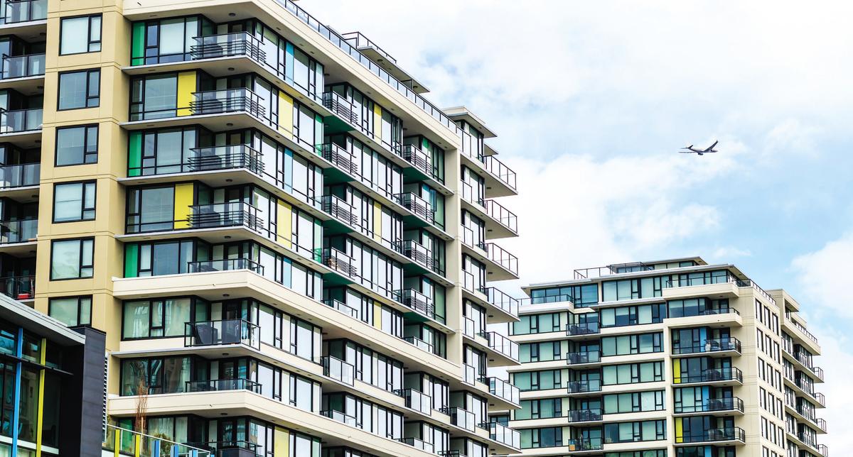 CMHC預計2019年至2020年的房屋開工將趨於緩和,回到10年平均新建築平均水平。(iStock)