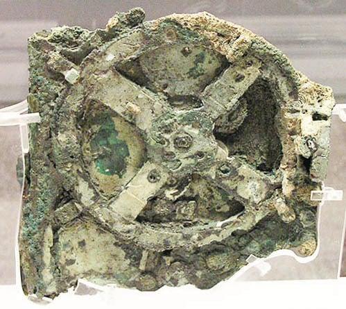 科學家發現這個3千年前的設備可能是史上最早的機械電腦。(維基百科)