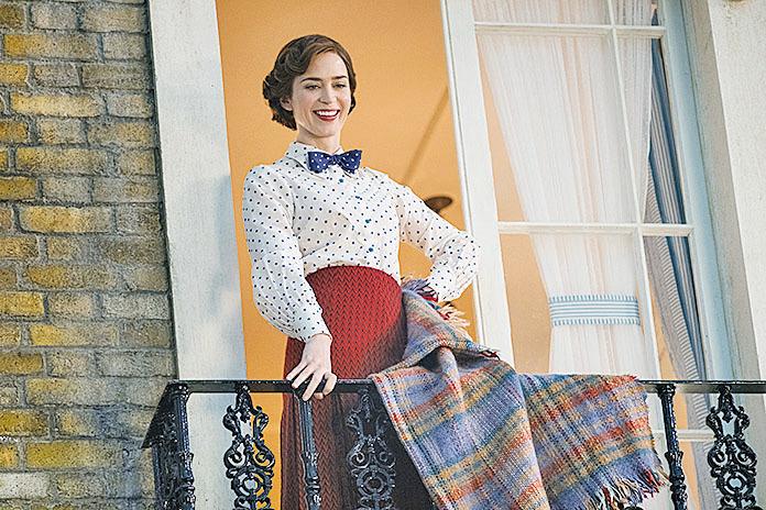 飾演瑪麗波萍絲的Emily Blunt,將這位魔法保姆詮釋得魅力滿分,舉手投足都能散發出獨特魅力。片中她更多次展現良好歌喉。