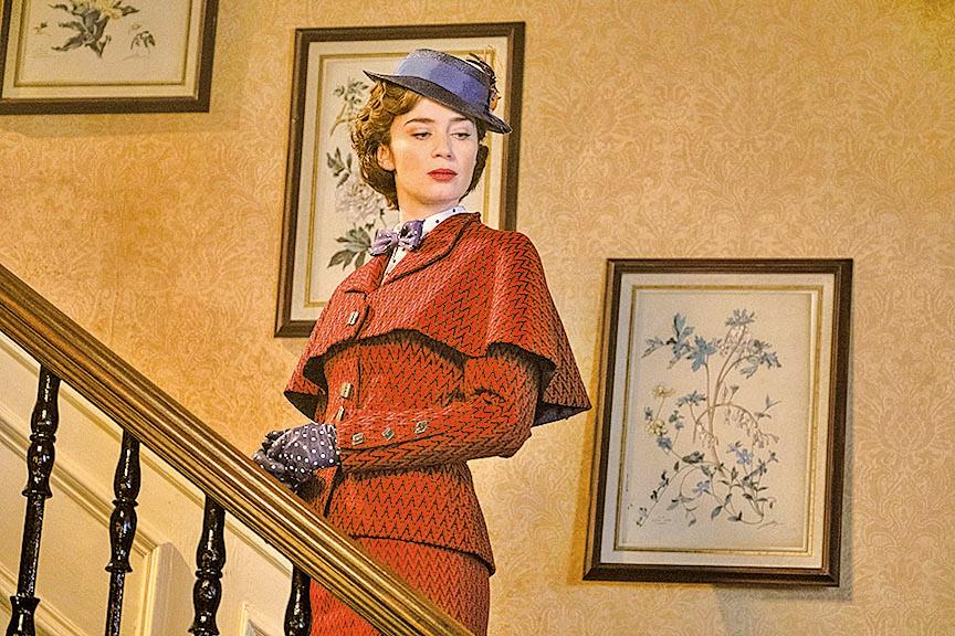 劇組對於瑪麗波萍絲在劇中的造型設計頗用心,雖然不以華麗取勝,但藝術美感絕對不低。