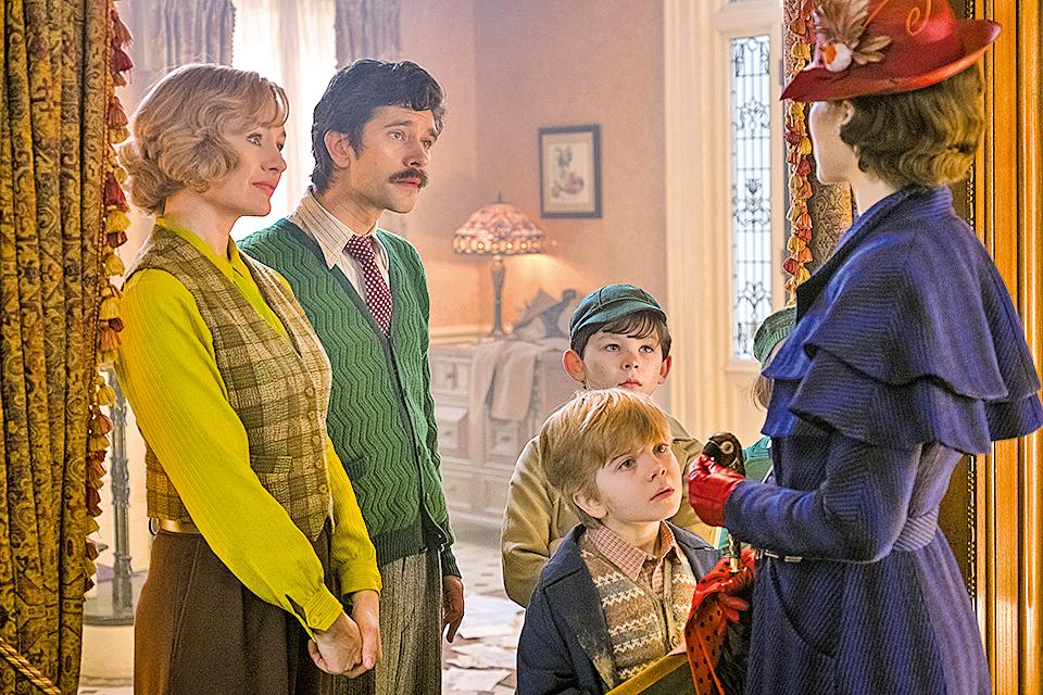 睽違54年的魔法保姆瑪麗波萍絲再度適時出現,自願扛下照顧班克斯家三個孩子的重任,並幫助主人翁班克斯一家度過危機。