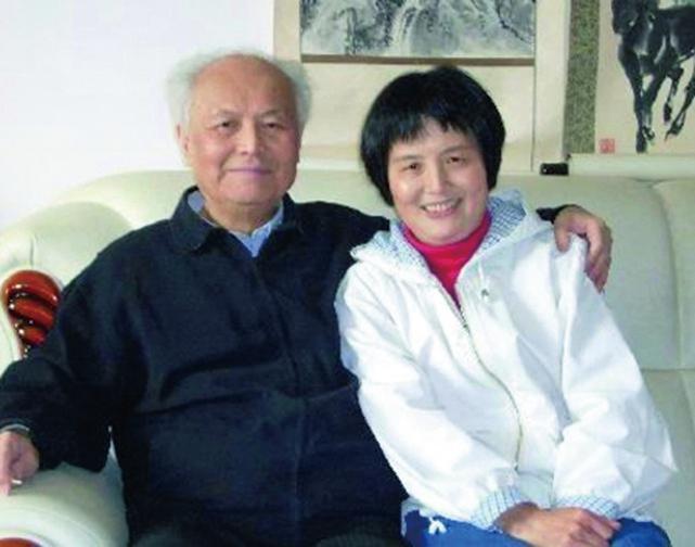 李銳和女兒李南央合照。(網絡圖片)
