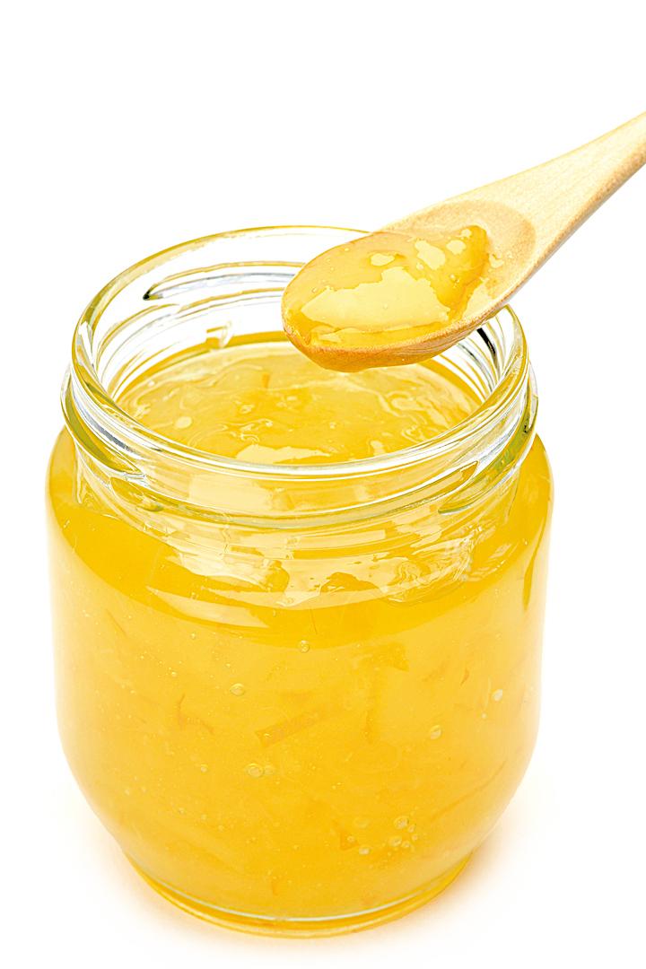 南韓柚子茶的罐子裏一片茶葉也沒有,它使用的是柚子最香甜的部份。