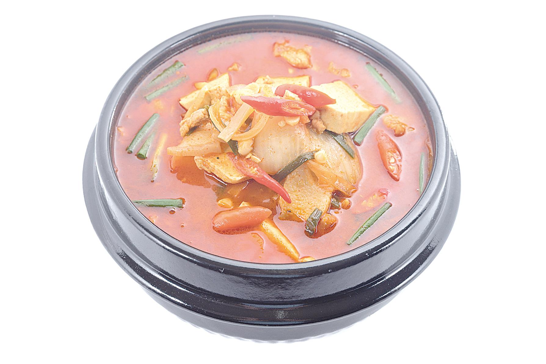 泡菜燉湯是南韓的傳統美食。