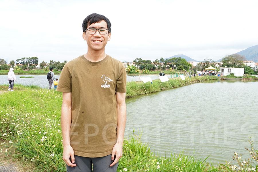 香港觀鳥會高級項目主任鍾振傑(Johnson)。(曾蓮/大紀元)