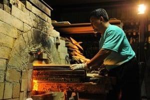 柴燒窯1563度 台灣竹南蛇窯創世界紀錄