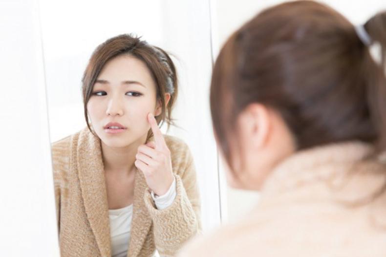 對一些人來說,痤瘡是一種純粹由荷爾蒙失衡引起的疾病,需要處方藥物治療。然而對於許多人來說,痤瘡是緣於身體其它部位的健康問題。(的Fotolia)