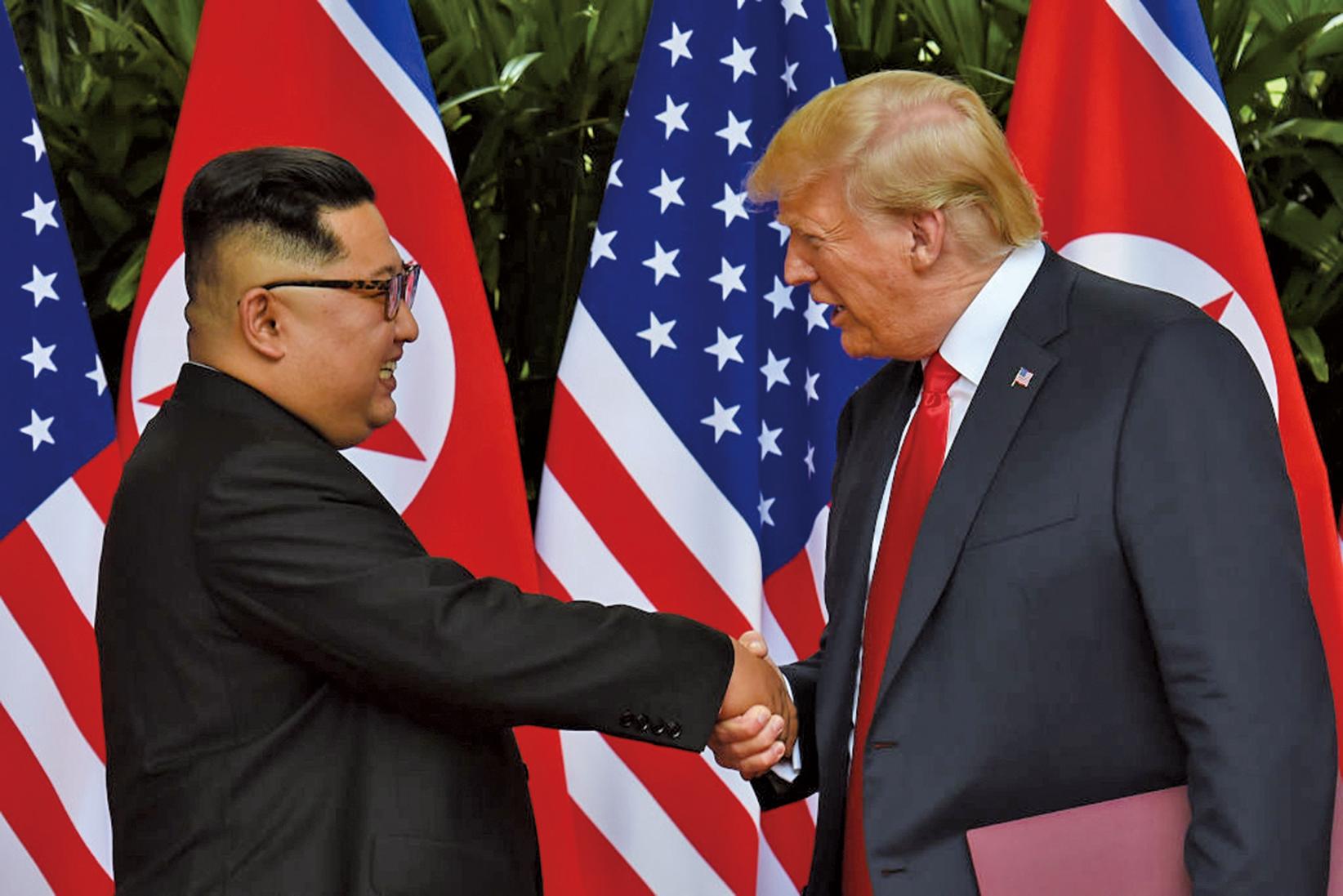 第二次「特金會」將於越南河內舉行。圖為第一次特金會時,美國總統特朗普與北韓領導人金正恩舉行歷史性的會晤。(AFP)