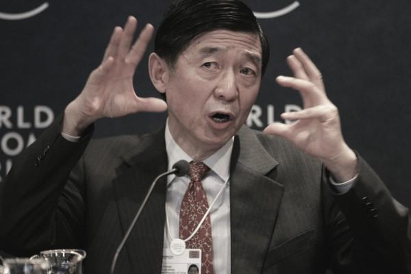 2005年1月26日吳建民在瑞士世界經濟論壇講話。 (PIERRE VERDY/AFP/Getty Images)
