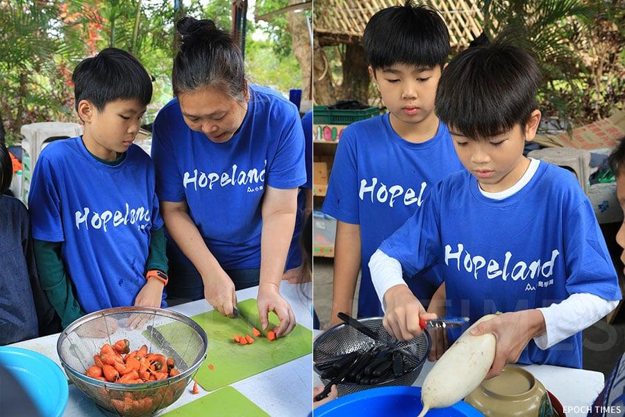 左:「島師」炳嫂(右)在教學生切蘿蔔;右:學生親手刨蘿蔔。(陳仲明/大紀元)