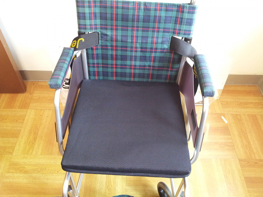Moon Viella日本3D立體座墊可以因應不同座椅、輪椅以至汽車座椅的尺寸量身訂做,也有不同厚度選擇,切合不同人士及特別護理需要。