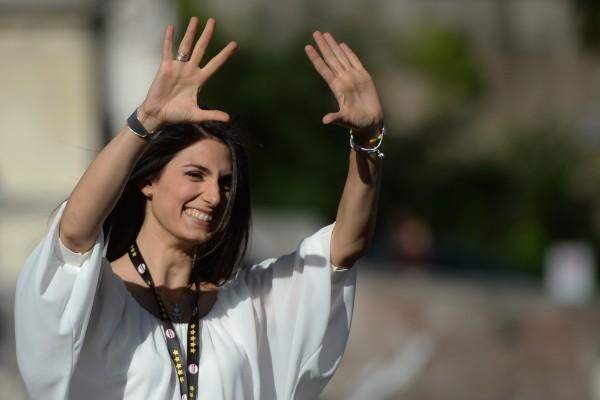 律師出身的拉吉挾著三份之二的廣大民意,當選羅馬首位女市長。(Filippo MONTEFORTE/AFP)