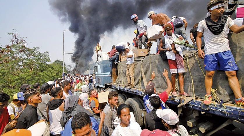 逾百士兵棄崗逃跑 蓬佩奧︰馬杜羅末日不遠