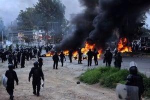 墨西哥教師示威引發警民衝突 導致6死過百傷