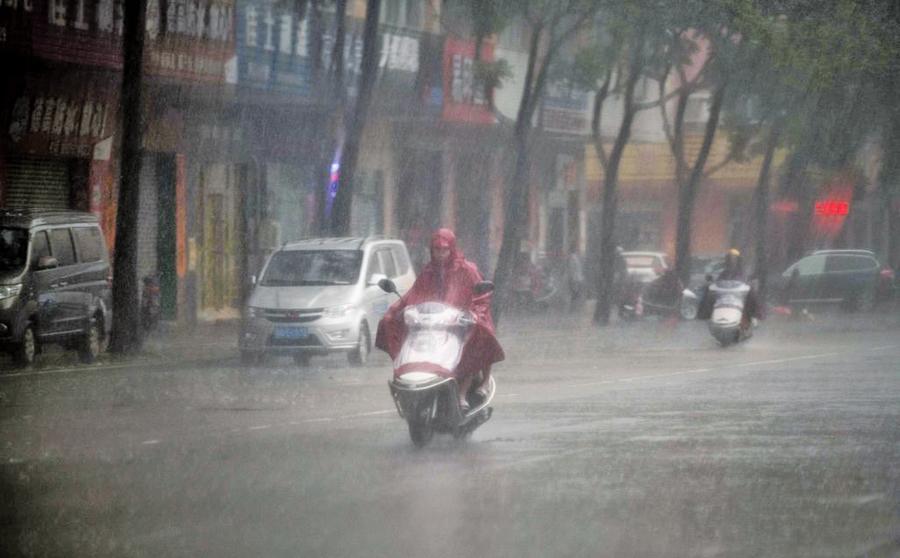 華南遭百年一遇持續降雨
