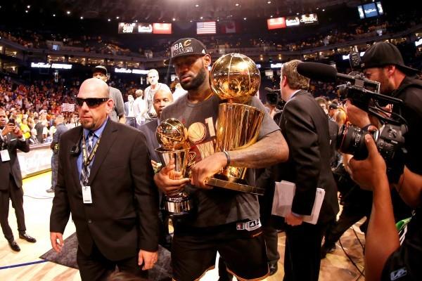 NBA騎士擊敗勇士 奪下52年來首次總冠軍