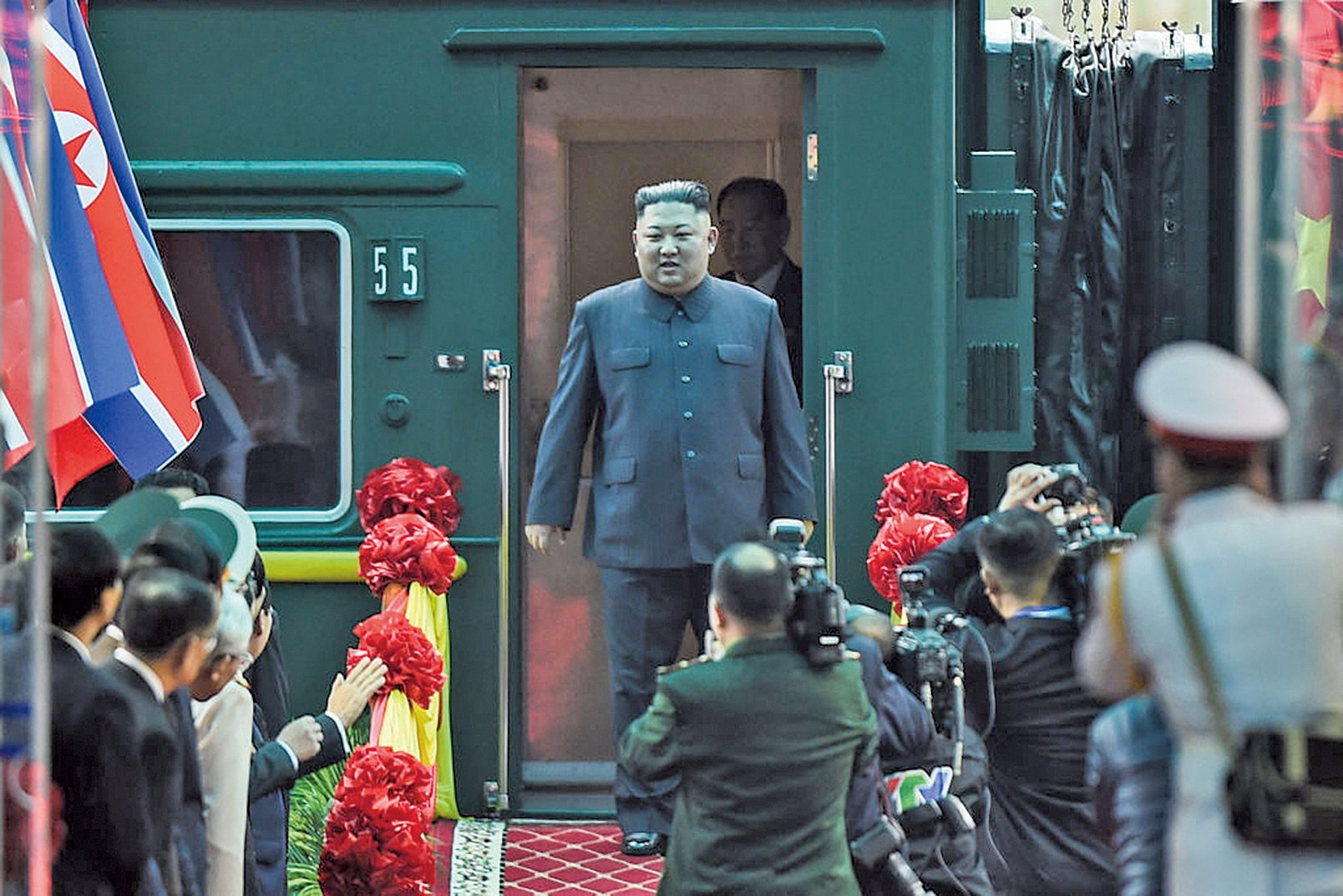 金正恩搭火車抵達越南邊界,改換汽車前往越南首都河內。(AFP)