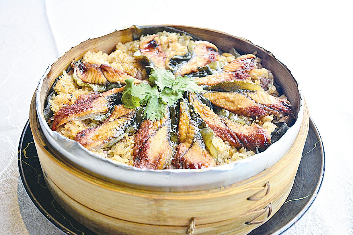 鰻魚米糕是台灣節慶或嫁娶一定要準備的美食。