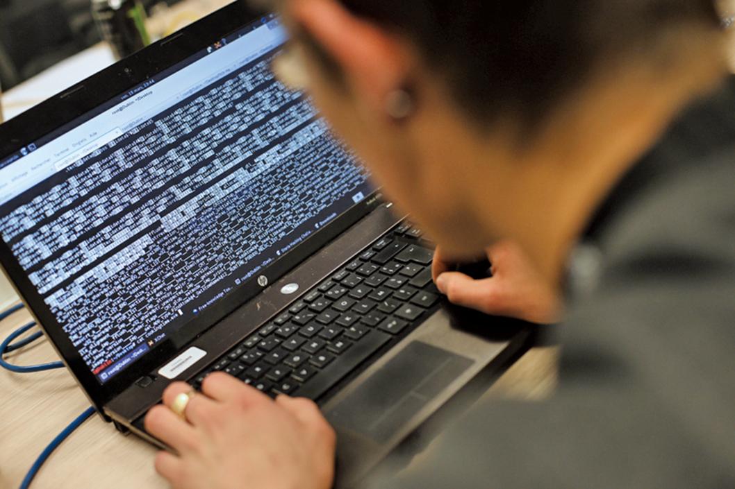 2016年11月,總部設在滿地可的國際民航組織(ICAO)遭受了其歷史上最嚴重的網絡攻擊。這周三(27日),CBC刊文披露了涉及這次攻擊的黑客及其運作方式。示意圖。(AFP)
