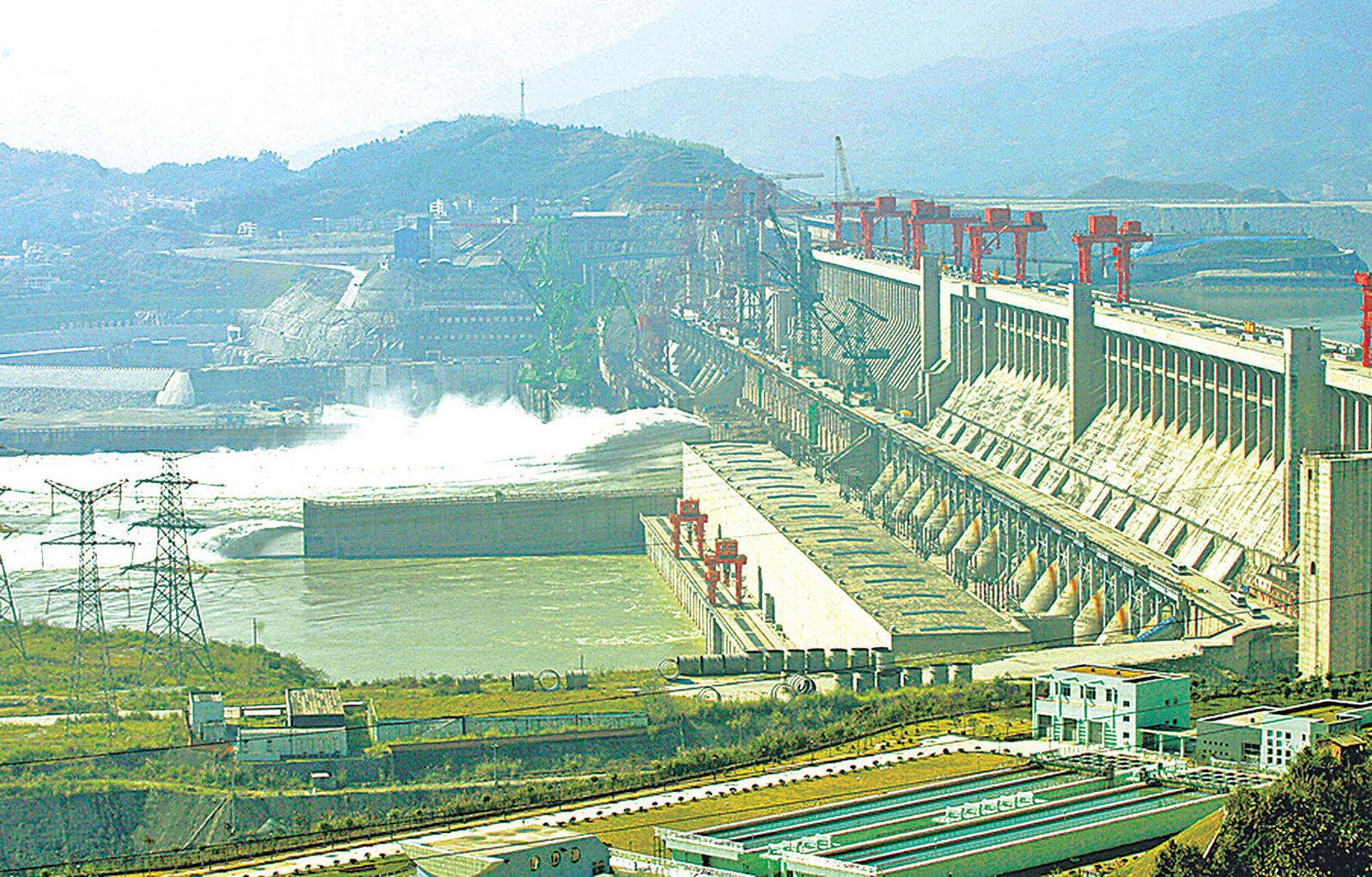 中共多次強調三峽大壩防洪性能,但最近清華大學水利專家稱三峽防洪能力不如官方所稱。(Getty Images)