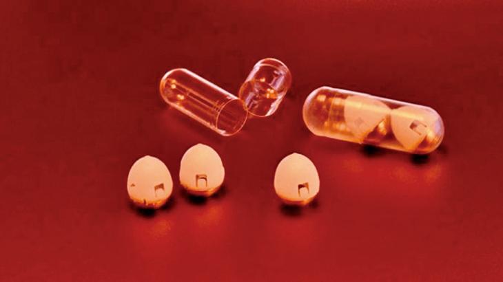 一種內置小針頭的胰島素膠囊,能以口服的方式取代胰島素注射,有望改善糖尿病人的生活品質。(MIT)