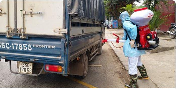 越南農業與農村發展部表示,非洲豬瘟疫情近日繼續升溫,至今在北部5省市和中部1省共6省市發現病例,數千頭豬被捕殺。(推特截圖)
